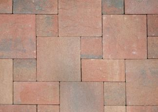 intricately-laid-bricks-in-different-sizes at sunshine coast pavers